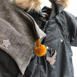 12085243 Snowsuit Nickie black - Wheat 7902-940-0021_Rel IMG_6009.jpg